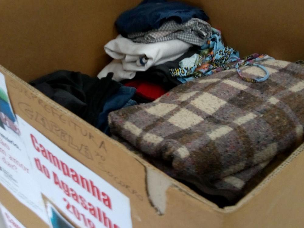 A caixa de coleta das roupas e agasalhos ficou cerca de 30 dias na entrada da Subprefeitura